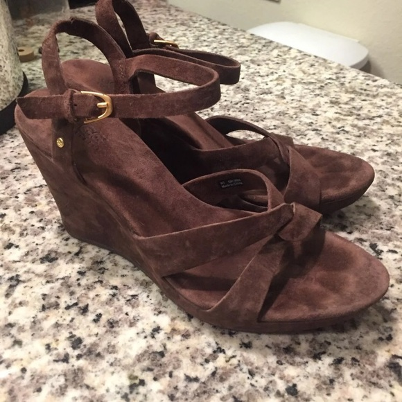 5d2309387b7 Ugg Australia Arianna Wedge Sandals